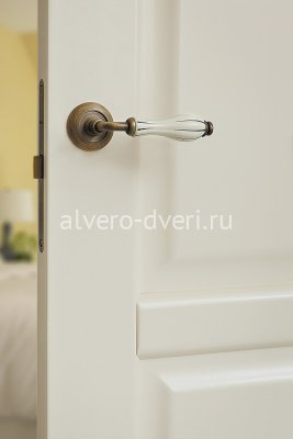 Дверь Ирина фурнитура