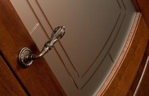 дверь Алина фурнитура